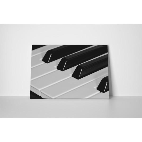 Čiernobiely klavír